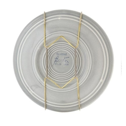 Plate Hangers holds 7-10